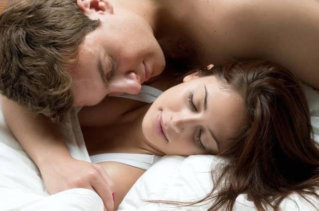 Coccole per ritrovare l 39 autostima agoranews - Come far felice un uomo a letto ...