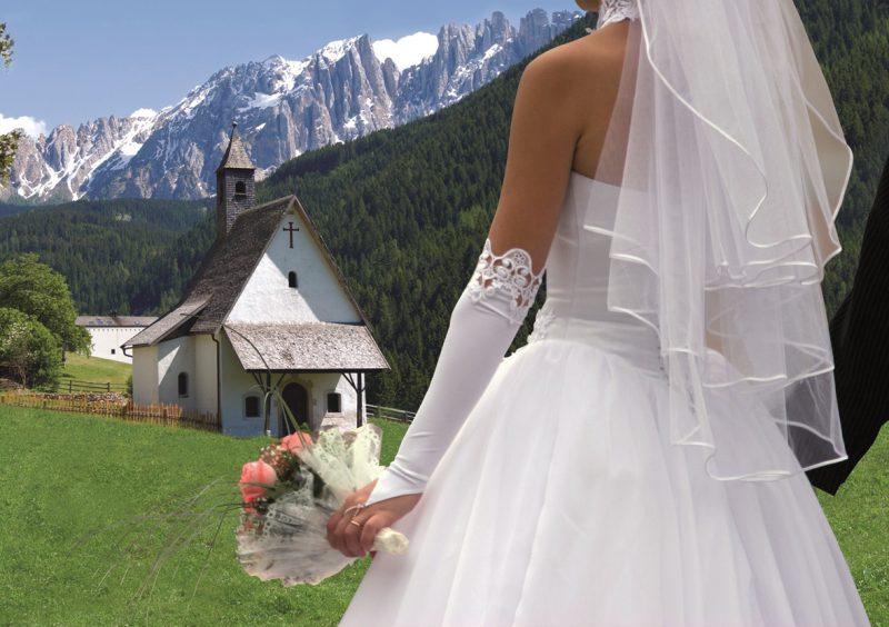 Matrimonio Sulla Spiaggia Campania : Matrimonio vintage o hippie sulla spiaggia agoranews