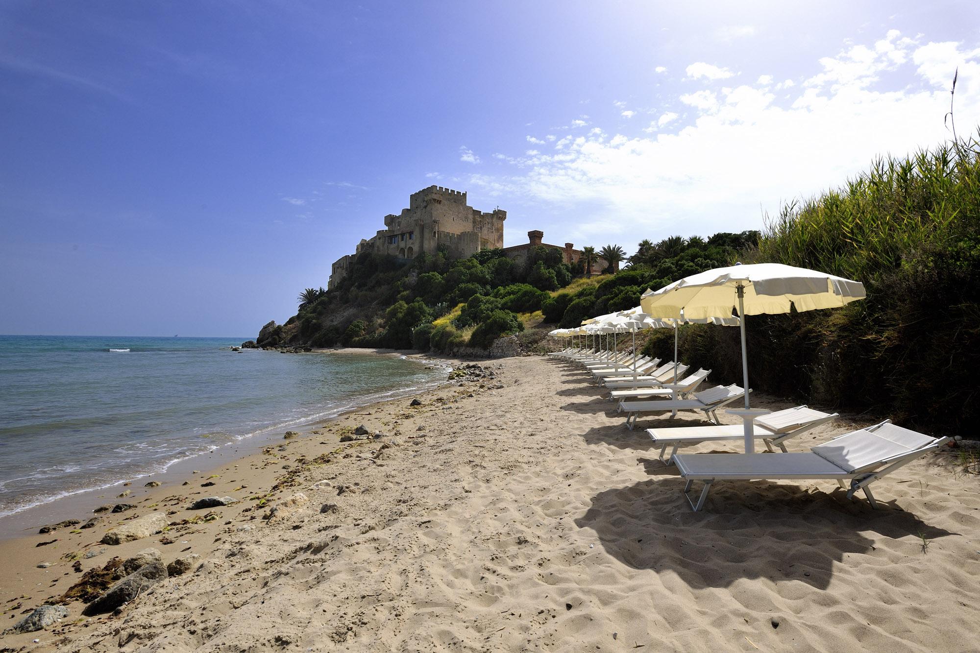 romantico soggiorno fronte mare in sicilia agoranews