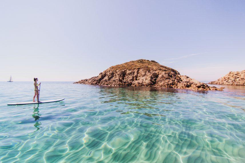 Il mare della sardegna a bordo di una goletta di legno agoranews