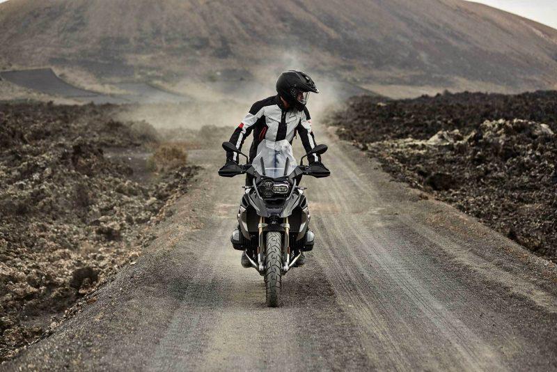 CAPPOTTO DA MOTO: STILE URBAN GRAPHIC AgoraNews